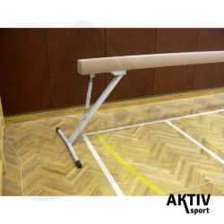 Tornagerenda, verseny, velúr borítással párnázott, állítható lábakkal, 5 m Iskolai sportszer Drenco