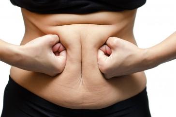 Így tüntesd el a zsírpárnákat a hasadról és a derekadról