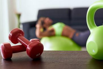 3 hiánypótló tipp az otthoni alakformáláshoz, nőknek